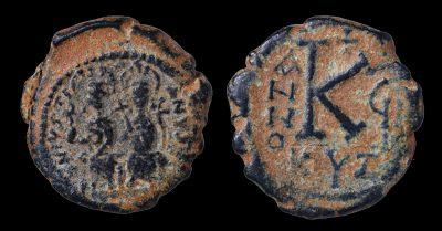 JUSTIN II 565-578 AD HALF FOLLIS. 20 NUMMI. CYZICUS 573 AD-0