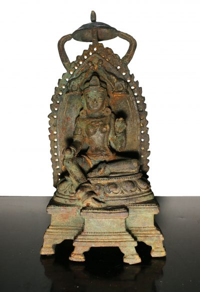 China. Qing Dynasty 1800 circa. Heavy Iron Guanyin temple statue. 3,4 kg. - 33X15X12 cm-0