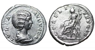 Julia Domna. Denarius. 193-211 AD XF Lustros-0